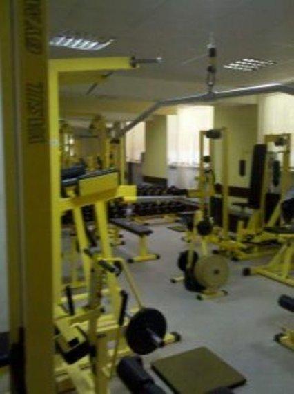 Оса фитнес клуб тренажерный зал