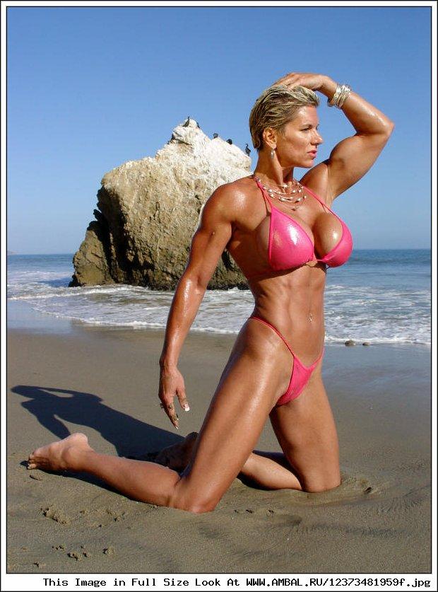 Jenny poussin bikini