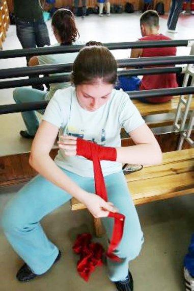 Кикбоксинг центр бинтуем руки чтобы