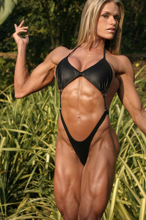 muscle Larissa reis female