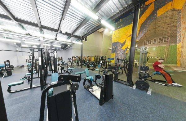Фитнес клуб zupre тренажерный зал