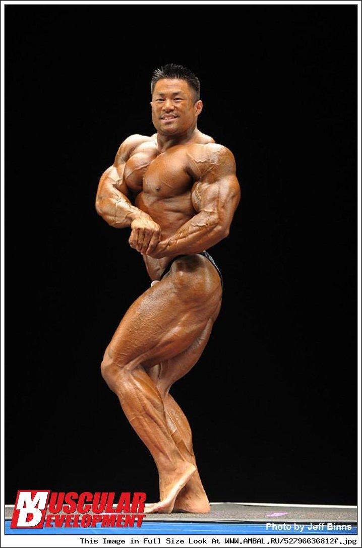 celebrated ifbb pro bodybuilder - 698×864
