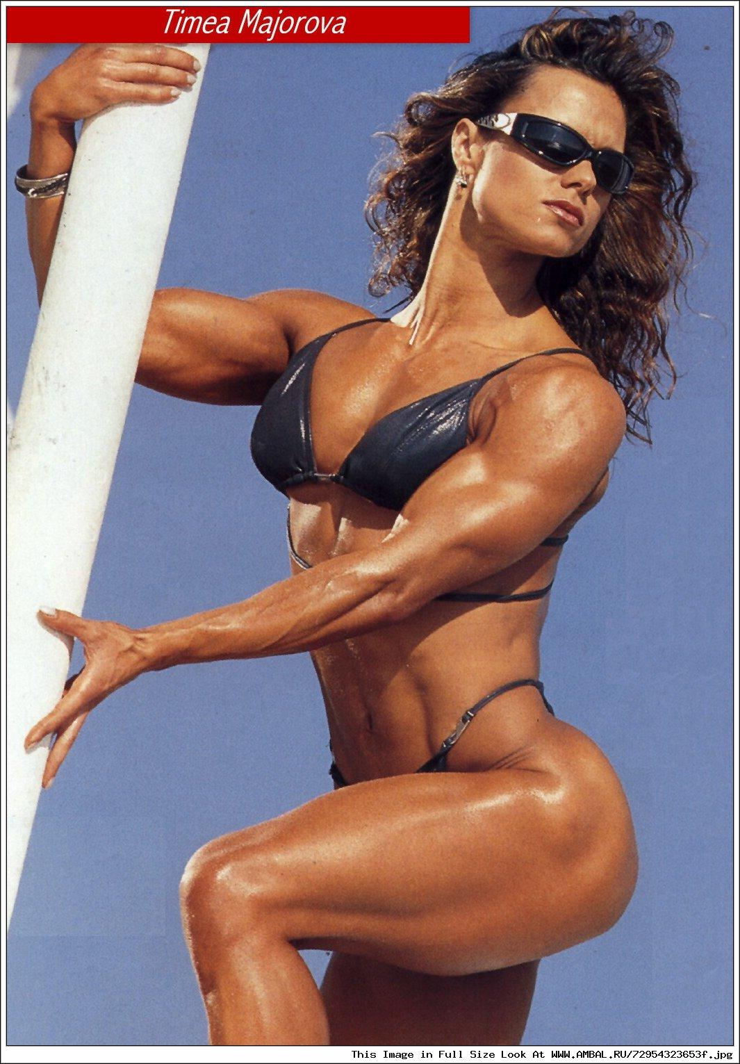 Сильные женщины голые