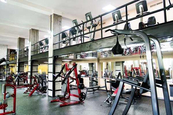 Фитнес клуб пресс центр тренажерный